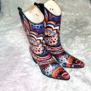 Yippy. Size 9. Colorful cowboy style rain boot